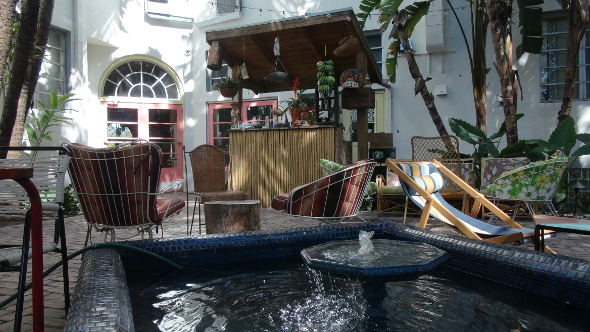 Tikki Bar in Freehand Miami Courtyard