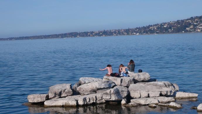 A bare swim along les Bains des Paquis in Geneva, Switzerland
