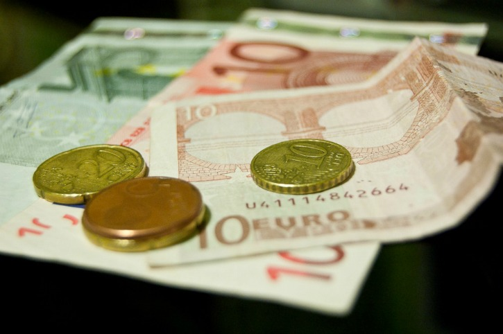 Euros as photographed by Jesús Pérez Pacheco.